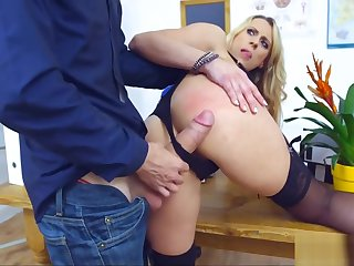 Blonde Cougar Crammer gets Ravaged by Student's Cock