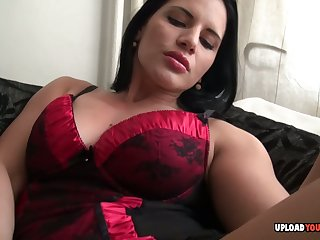 Beautiful amateur uses a dildo on their way snatch