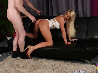 Sienna Day gives head and then gets the brush pussy beaten unending and deep