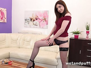 Luscious pet Kira Axe is pumping and masturbating her cunt