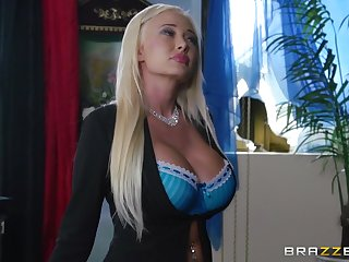 Pussy seal the doom turns on busty Summer Brielle and she wants with regard to be fucked