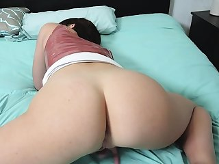Stepsister gets horny looking for cock