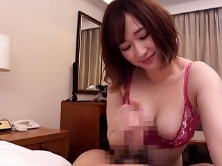 This generous amateur cam bird has some very big boobs