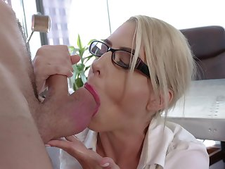 Dazzling mere MILF goes intimate up one of the guys from the office