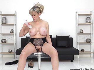JOI non-native Nipper Sonia as she strips nude