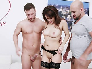 Amateur MMF threesome with double sageness for Dominica Phoenix