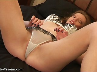 Redhead MILF Has Incredible Crest In 12 Minutes And Keeps Going